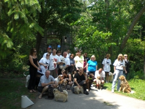 A photo of the 2011 participants at the Finish Line in Hoyt Park.